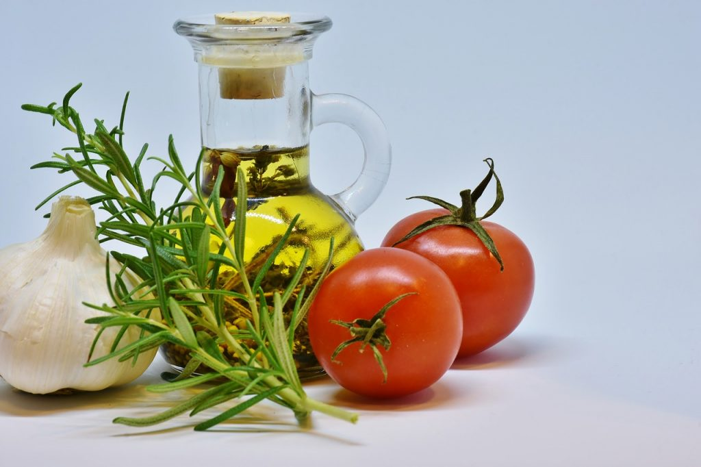 Here's How Mustard Oil And Salt Help Keep Your Teeth Clean!